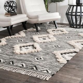 "nuLOOM Southwestern Flatweave Hand Woven Wool Ikat Grey Tassel Rug (7' 6"" x 9' 6"") - 7'6"" x 9'6"""