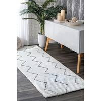 """nuLOOM Hand-Tufted Moroccan Trellis Striped White Runner Rug (2' 6"""" x 8')"""