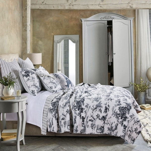 Greenland Home Classic Toile Oversized Reversible Cotton Quilt Set