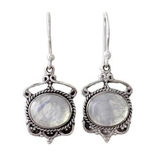 Handmade Sterling Silver 'Moonlit Decadence' Rainbow Moonstone Earrings (India)