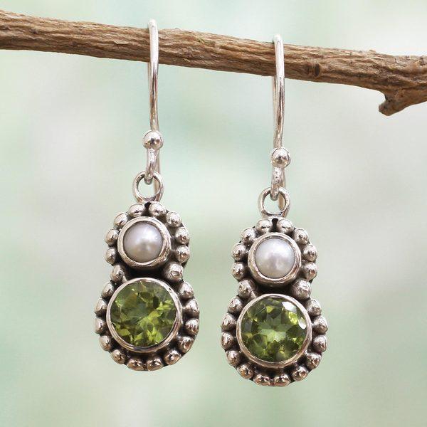 0e5be0dc3 Handmade Sterling Silver 'Kolkata Sparkle' Cultured Pearl Peridot  Earrings