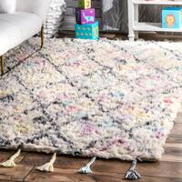 nuLOOM Kids Hand Tufted Trellis Shag Wool Off White Tassel Rug (5' x 7')