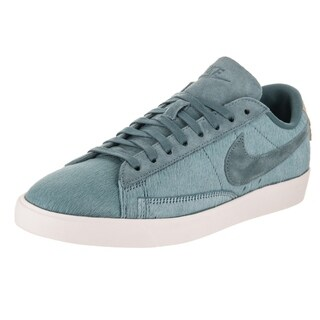 Nike Women's Blazer Low LX Casual Shoe