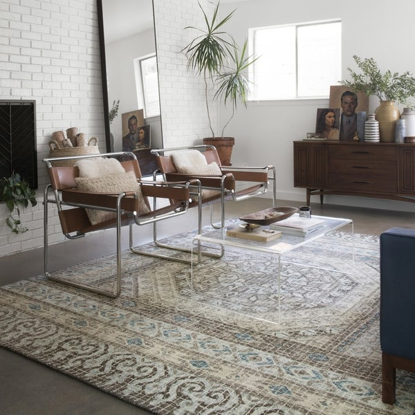 """Hand-hooked Transitional Taupe/ Blue Medallion Wool Area Rug - 9'3"""" x 13'"""