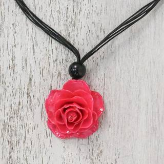 Handmade Natural Rose 'Rosy Chic in Fuchsia' Necklace (Thailand)