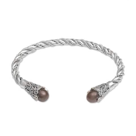 Handmade Sterling Silver 'Jepun Seeds in Brown' Cultured Pearl Cuff Bracelet (Indonesia)
