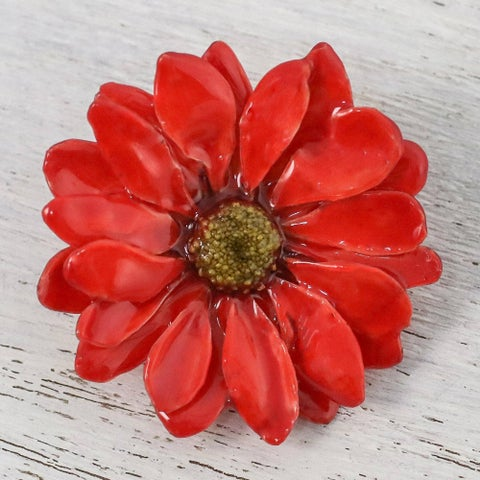 Handmade Natural Aster 'Let it Bloom in Cardinal Red' Brooch (Thailand) - Red