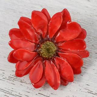 Handmade Natural Aster 'Let it Bloom in Cardinal Red' Brooch (Thailand)