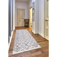 Crivello Frieze Collection White runner rug (2' x 8')
