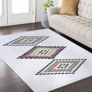 Rubie Frieze Collection White area rug (4' x 6')
