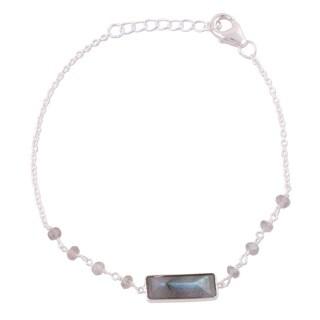 Handmade Sterling Silver 'Magical Prism' Labradorite Bracelet (India)