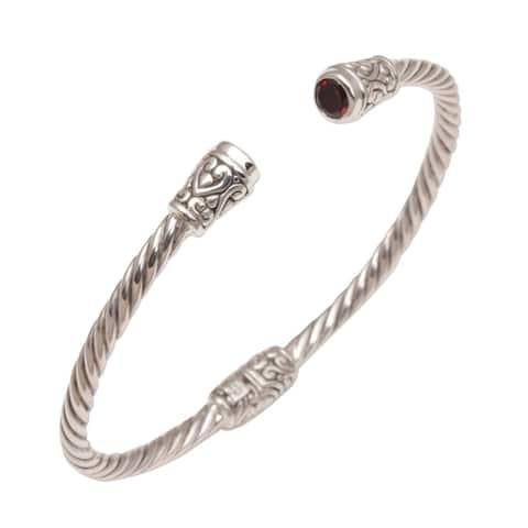 Handmade Sterling Silver Spiral Temple Garnet Bracelet (Indonesia)