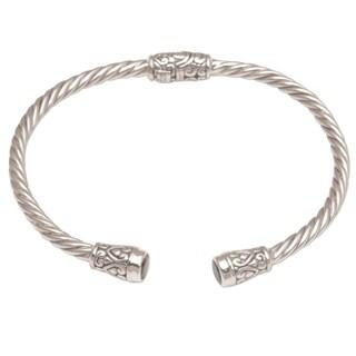 Handmade Sterling Silver 'Spiral Temple' Garnet Bracelet (Indonesia)