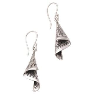 Handmade Sterling Silver 'Shining Songket' Earrings (Indonesia)