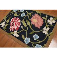 Transitional Floral Hand-hooked Midnight Blue/Pale Pink/Multicolored Wool Area Rug - 4' x 6'