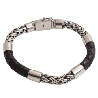Handmade Men's Leather Sterling Silver 'One Strength' Bracelet (Indonesia)