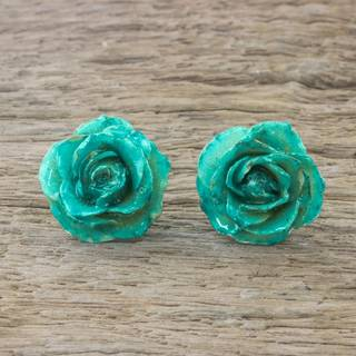 Handmade Natural Rose Button 'Flowering Passion in Green' Earrings (Thailand)