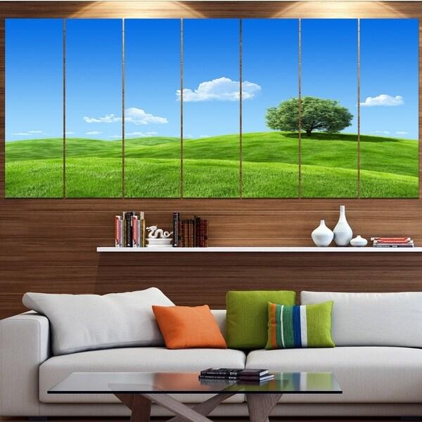 Designart U0026#x27;Calm Meadow With Single Treeu0026#x27; Landscape Canvas Wall