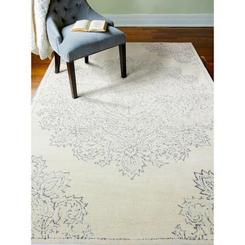 Ezra Transitional Hand Tufted Area Rug