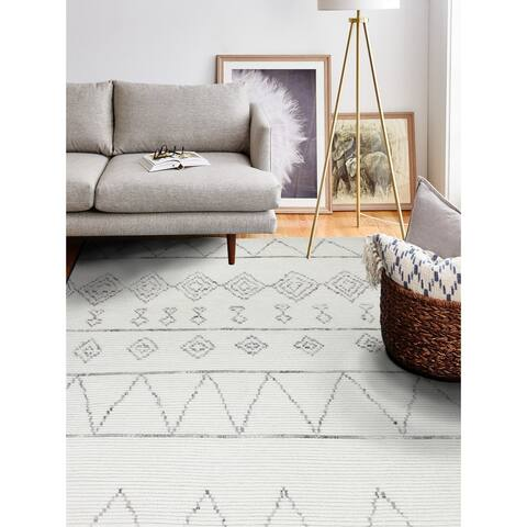 Sara Transitional Hand Knotted Area Rug