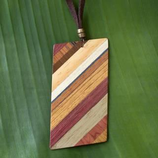 Handmade Wood 'Distinguished Traveler' Necklace (Brazil)