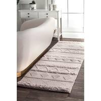 "nuLOOM Handmade Flatweave Contemporary Wool Raised Tribal Stripes Tassel Ivory Runner Rug (2'6 x 8') - 2'6"" x 8'"