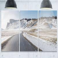 Phase1 Designart - Range Road in Winter Mountains - Landscape Glossy Metal Wall Art