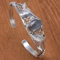 Handmade Sterling Silver 'Lost in Nature' Labradorite Bracelet (Indonesia)