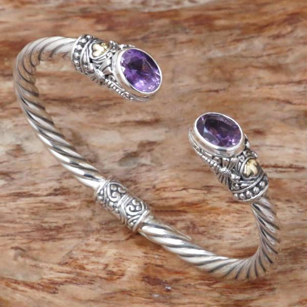 Handmade Gold Accent 'Dragonfly Den in Purple' Amethyst Bracelet (Indonesia)