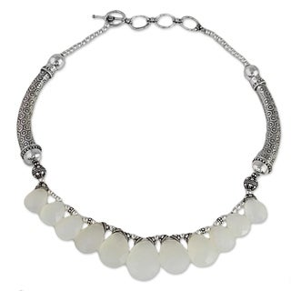 Handmade Sterling Silver 'White Petals' Chalcedony Necklace (India)