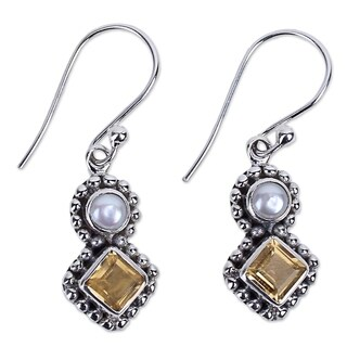 Handmade Sterling Silver 'Kolkata Sparkle' Cultured Pearl Citrine Earrings (4 mm) (India)