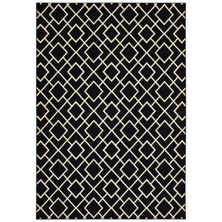 "Geometric Lattice Black/ Ivory Micro Fiber Rug (9'10 X 12'10) - 9'10"" x 12'10"""