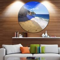 Designart ' Portoferraio Sansone Sorgente Beach' Landscape Circle Wall Art