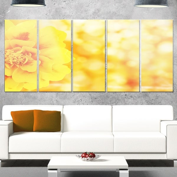 Designart \'Beautiful Floral Yellow Background\' Large Floral Glossy ...