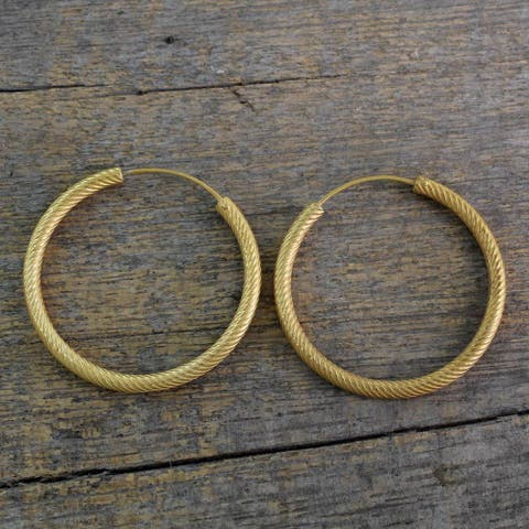 Handmade Gold Overlay Sterling Silver 'Timeless Twist' Earrings (India)