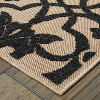 Filigree Medallions Sand/ Charcoal Indoor/Outdoor Rug (2'3 X 7'6)