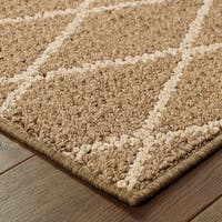 """Diamond Lattice Loop Pile Brown/ Sand Indoor/Outdoor Rug (1'10 X 7'6) - 1'10"""" x 7'6"""" Runner"""