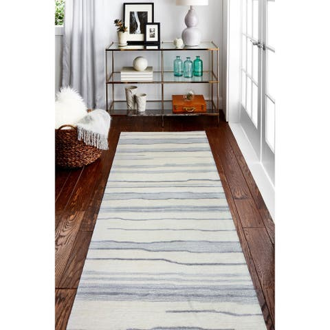 Alana Transitional Hand Tufted Area Rug