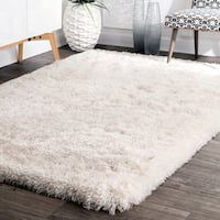 nuLoom Solid Ivory Handmade Soft and Plush Shag Rug