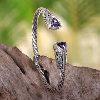 Handmade Sterling Silver 'Sukawati Triangle in Purple' Amethyst Bracelet (Indonesia)