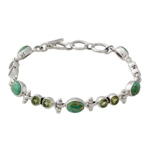 Handmade Sterling Silver 'Green Glow' Peridot Turquoise Bracelet (India)