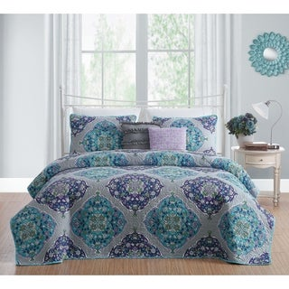 Chrissa Reversible Medallion Quilt Set with Throw pillows