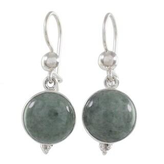 Handmade Sterling Silver 'Three Wishes' Jade Earrings (Guatemala)