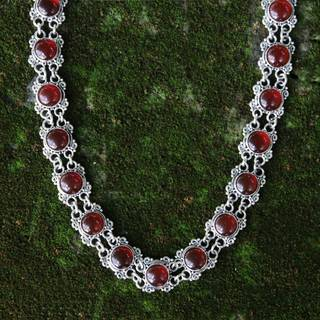 Handmade Sterling Silver 'Radiant Queen' Carnelian Choker (Indonesia)