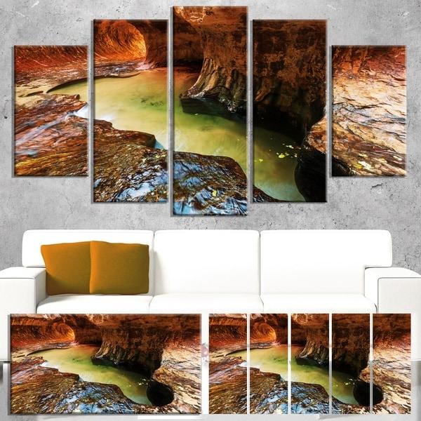Designart 'Narrows in Zion National Park Utah' Landscape Art Print Canvas