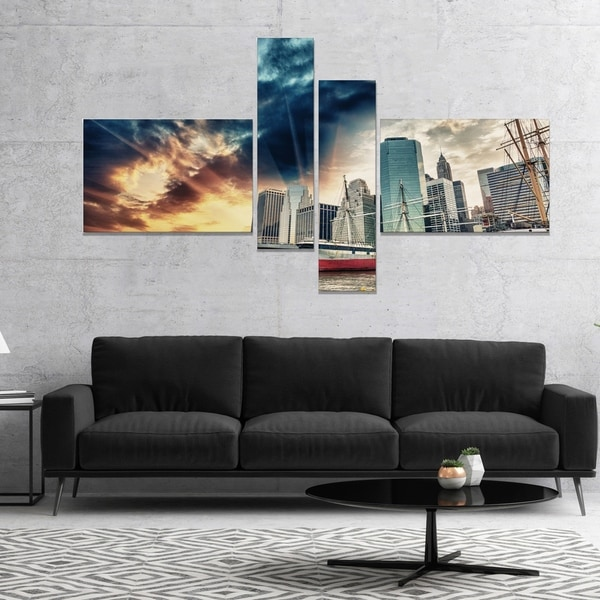 Designart 'Sunset Colors of Manhattan' Cityscape Photo Canvas Print