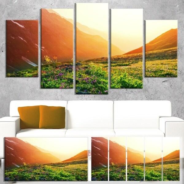 Designart 'Beautiful Meadow on Sunny Day' Oversized Landscape Canvas Art