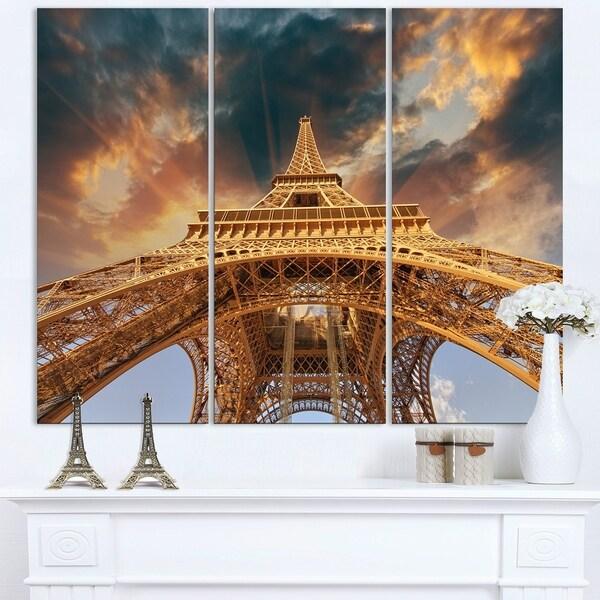 Paris Eiffel Tower in Paris with Sunset Colors - Cityscape Canvas print