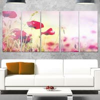 Designart 'Beautiful Poppy Flower Garden' Extra Large Floral Glossy Metal Wall Art