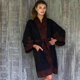 Handmade Rayon 'Bewitching Blossom' Short Robe (Indonesia)